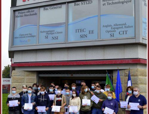 Les 1ères STI2D reçoivent leurs diplômes d'Eco-Journalistes